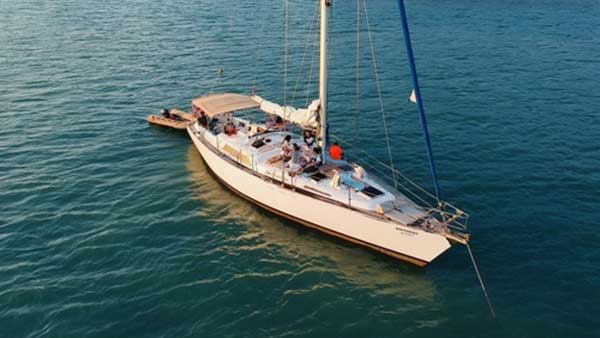 Independence Monohull 52